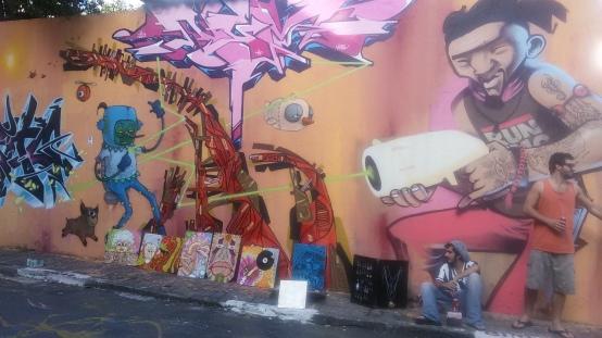Artistas no Beco do Batman - Foto: Patrícia Ribeiro/ Passeios Baratos em SP